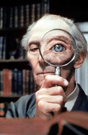 Peter Cushing, Top Secret, Lens Eye